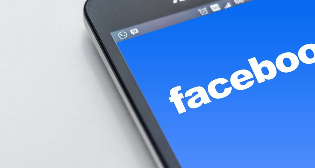 Facebook tendrá buscador por voz