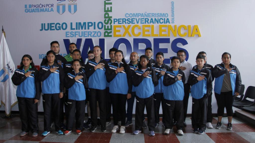 Guatemaltecos van por el oro en tenis de mesa