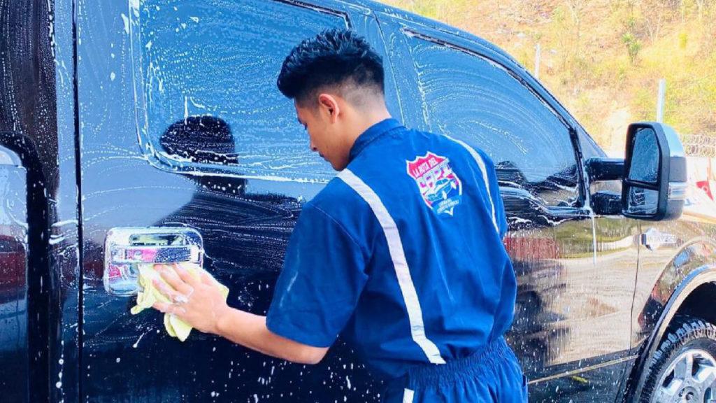 Desinfecta tu auto gracias al CarWash a domicilio