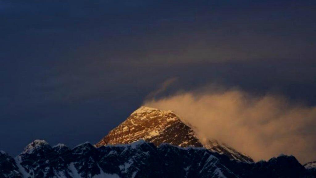 Nepal reabrirá el Everest a los escaladores