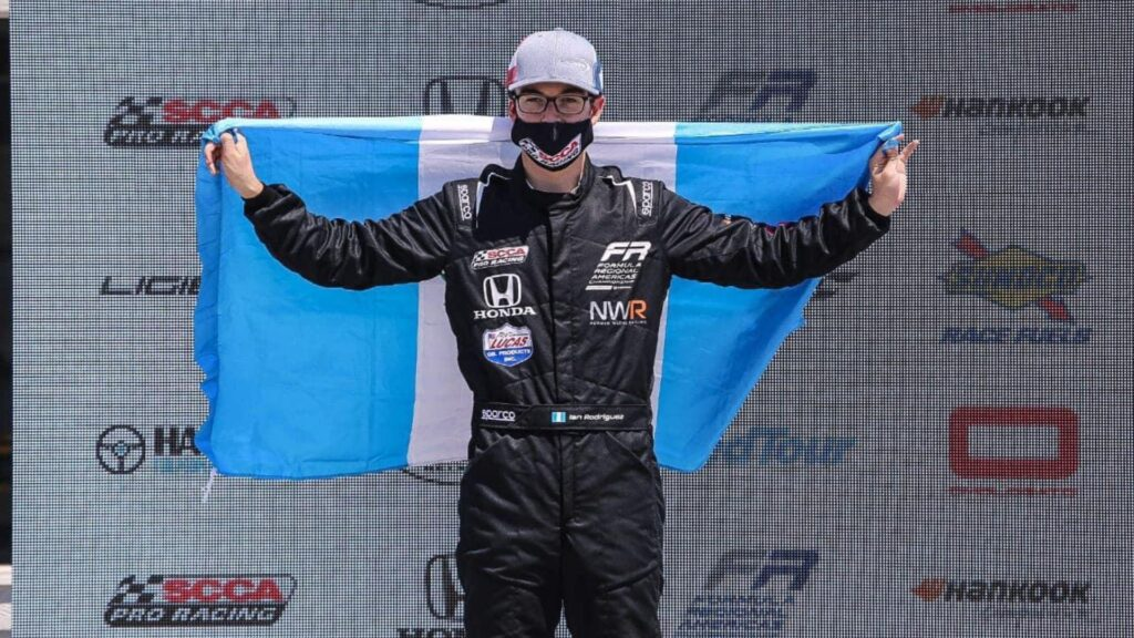 Ian Rodriguez lleva en alto el nombre de Guatemala