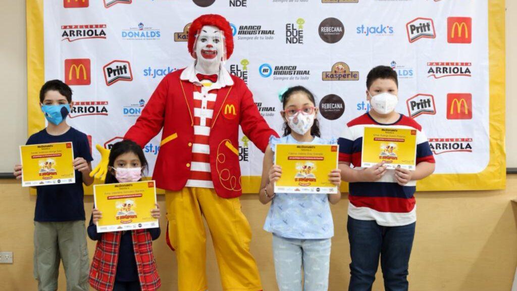 """McDonald's premia a ganadores de """"El Súper Poder de mis sueños"""""""