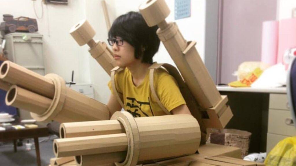 Monomi Ohno demuestra su arte con la cajas de cartón